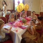 děti na svatbě a my